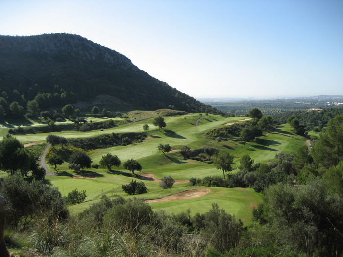Golf in the hillsides of Mallorca