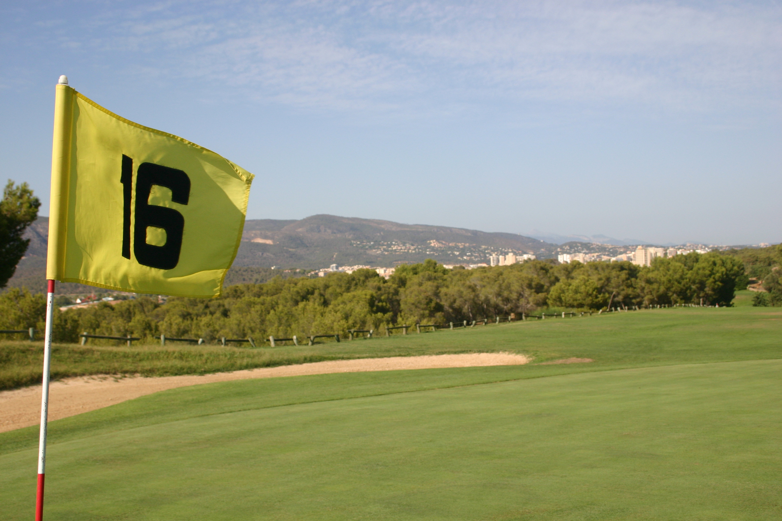16th hole at Golf Poniente