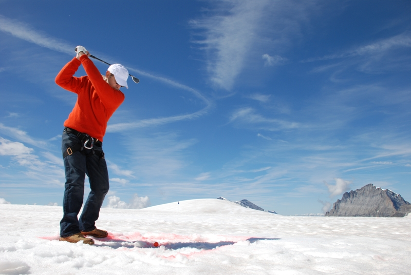 Snow-golf in Switzerland Courtesy of Victoria Jungfrau lr