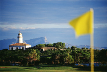 Fore! in a row for Mallorcan course