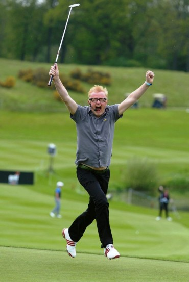 Celebrities play Britain's fastest ever round of golf