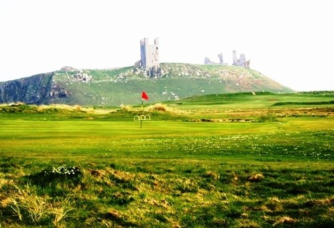 links golf in the shadow of Dunstanburgh Castle
