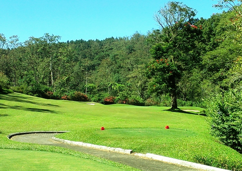 Golf in the Mountains in Bali - Bali Handara Golf