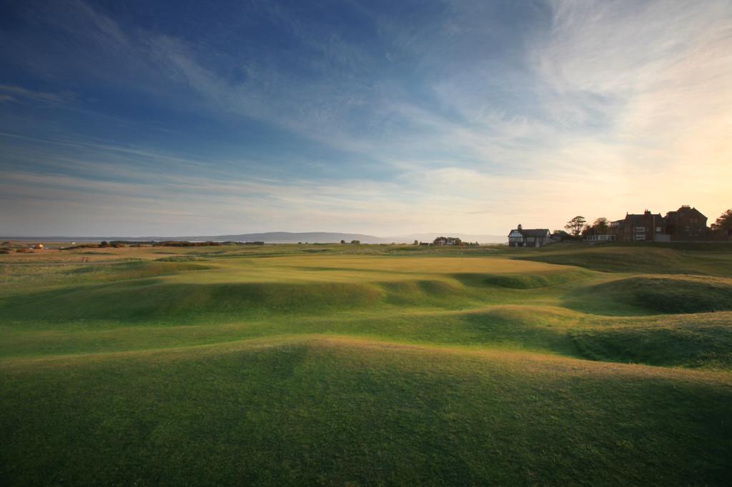 Royal Dornoch golf links 18th green