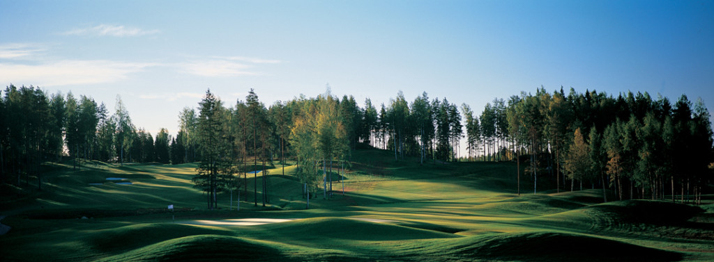 Linna Golf Finland enjoys a stunning woodland setting, ideal for a golf holiday in Finland