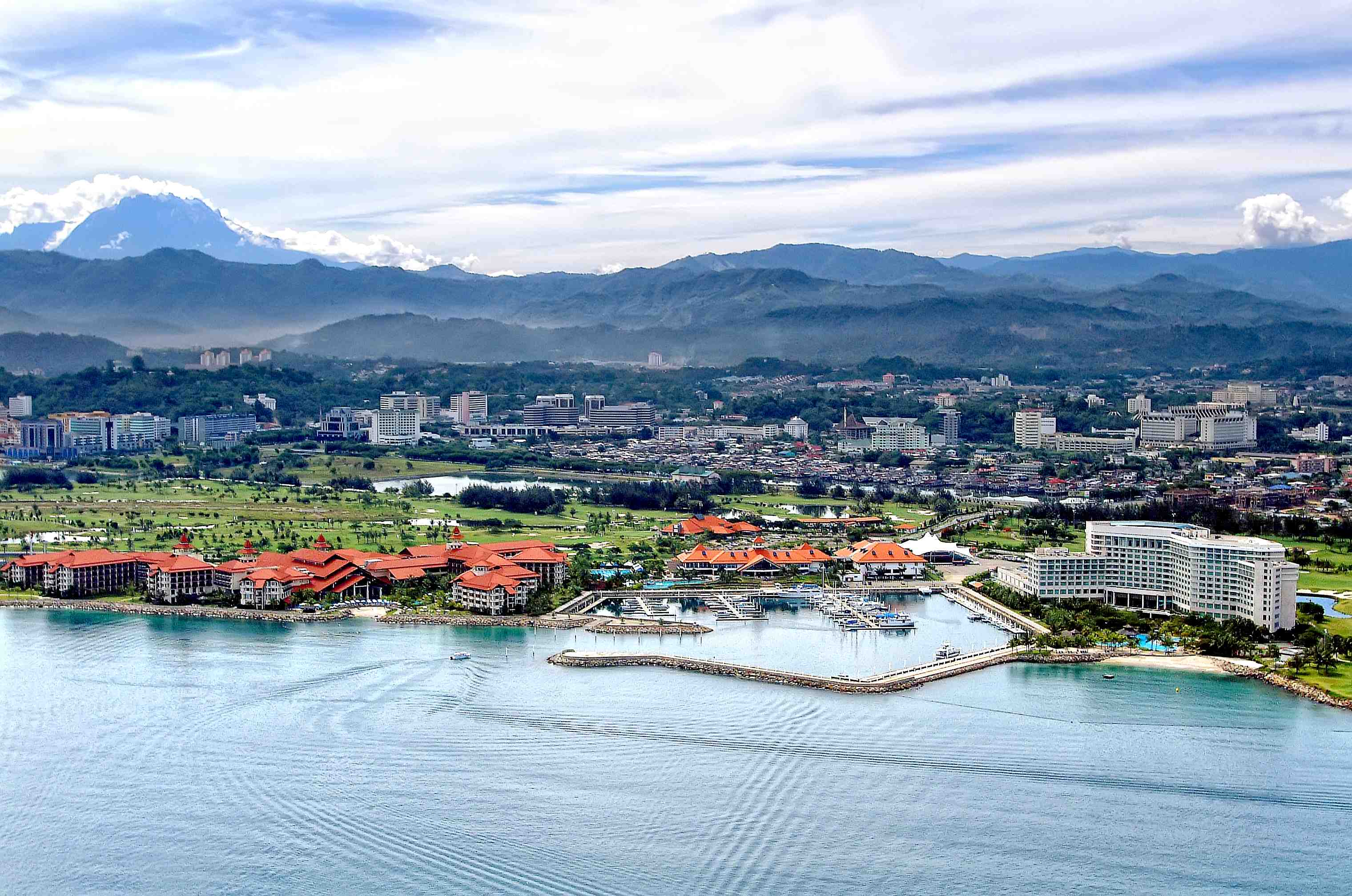 Paul Myers reviews the best stay and play golf resorts in Asia