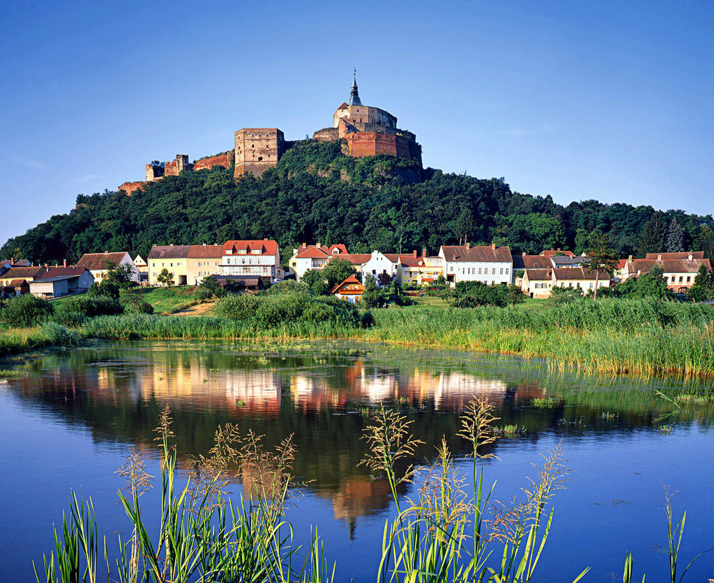 Gussing Castle, Burgenland, Austria - photo by Douglas Sprott creative commons