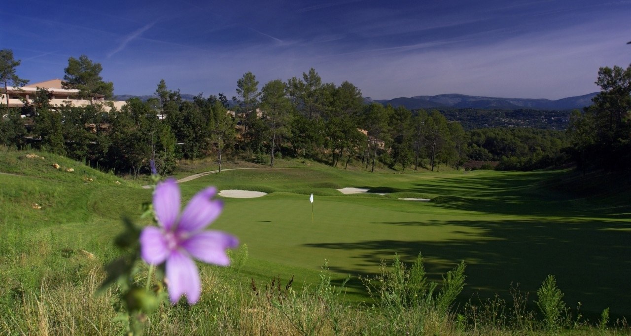 Beautiful golf hole at Terre Blanche Gof Resort France
